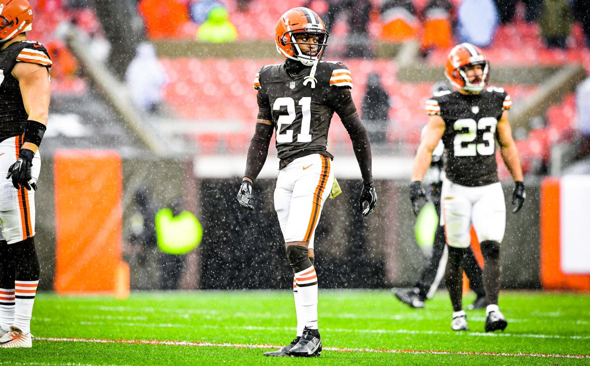 #Browns CB Denzel Ward today:  • 3 tackles  • 4 passes defended • 1 QB hit resulting in a pick 6   • game sealing INT