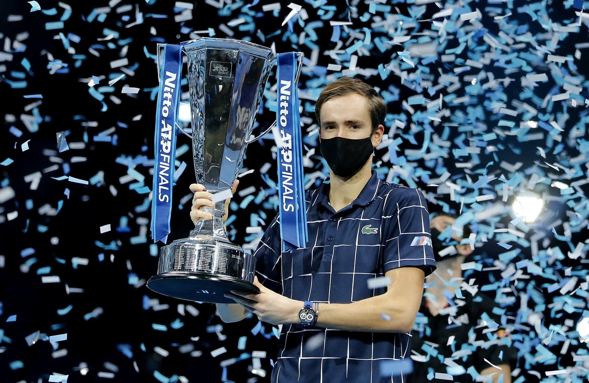 🇷🇺 Daniil's Masterclass !   @DaniilMedwed is the new Master in London with 5 wins in 5 matchs 👏  Congrats for this memorable title after a perfect week 😍  #NittoATPFinals #FightSmart https://t.co/B5Ot2QDJfj