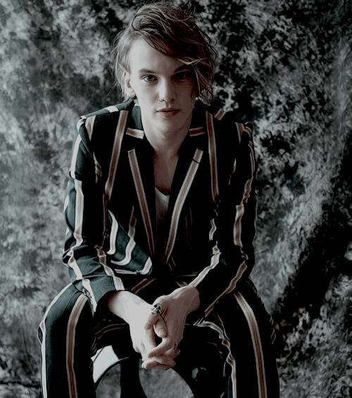 Happy birthday to a great human being like Jamie Campbell bower a great actor, singer and a great person
