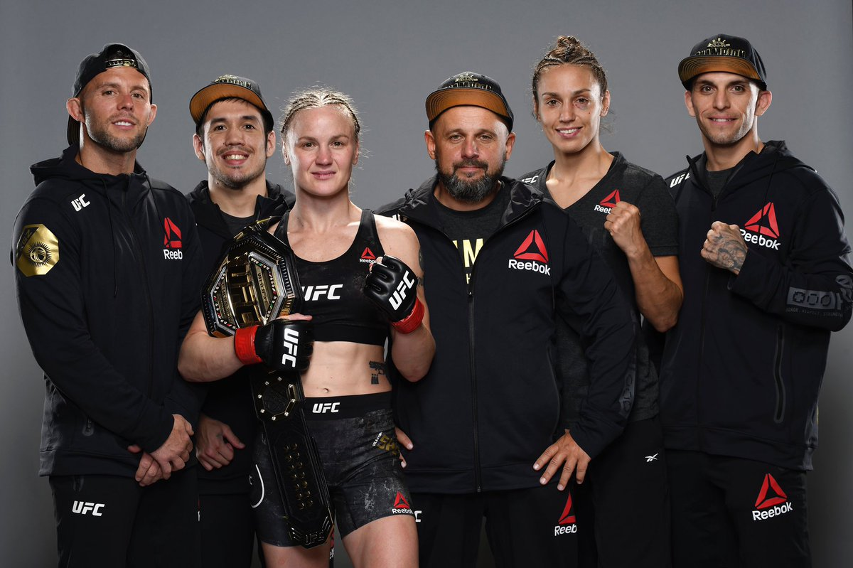 Team #Bullet  Team #LaPantera 💪🏻💪🏻 #UFC255 #UFCsisters