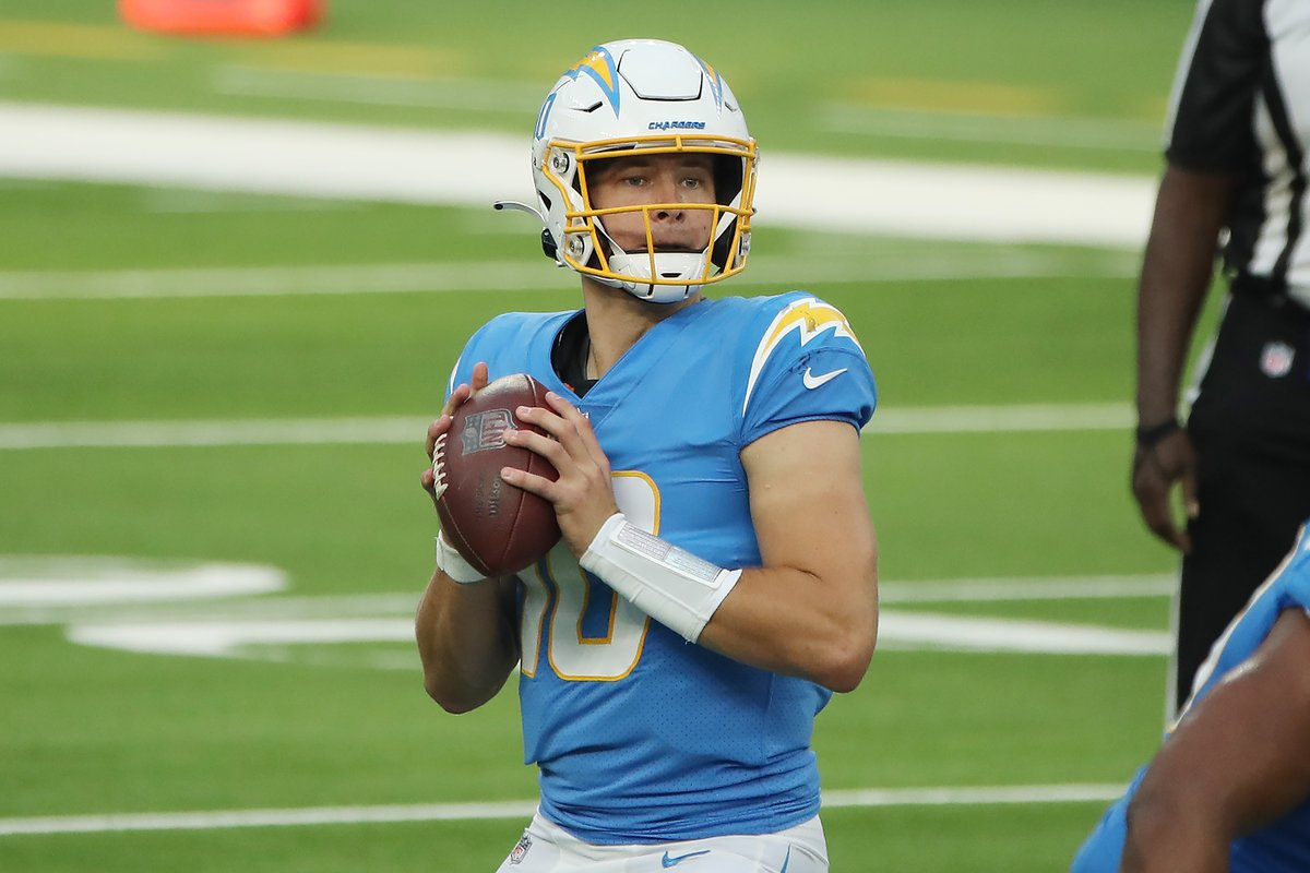 Justin Herbert notches his fifth 3+ TD game this season for the @Chargers.  That's a rookie record, and it's only WEEK 11!