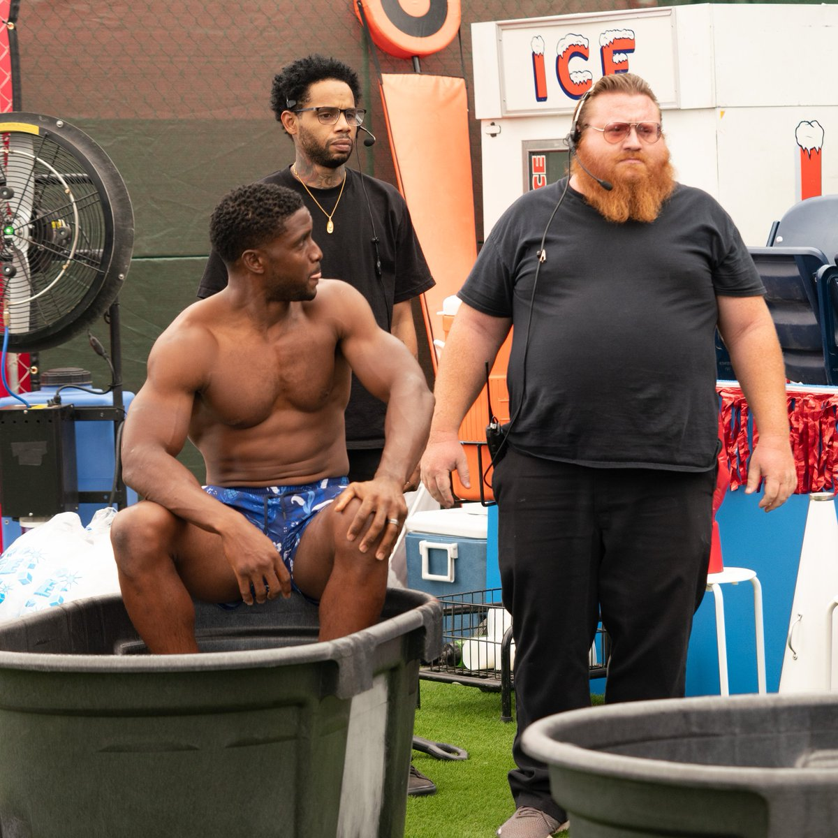 Caption this photo!  Full episode of #ColdasBallsS4 with @ReggieBush and that 💀👀on @YouTube now