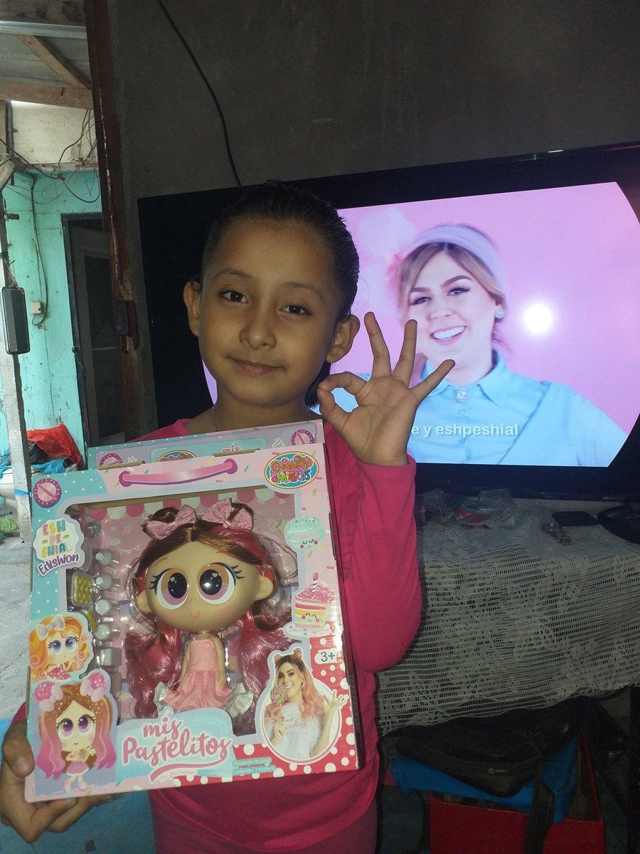 @mis_pastelitos  ella feliz porque le adelanté  su regalo de cumpleaños saludos @mis_pastelitos  desde matamoros Tamaulipas