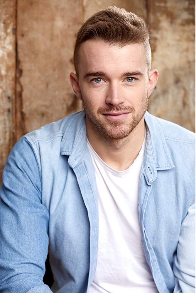 Hey @lifetimetv   I Am A Huge Big Fan Of @ChandlerMassey From @daysofourlives  I Created A Nickname For Him #CHANTILLYBLUE  He Could Play A Flamboyant Gay Character Of The Same Name On The Future Comedy Movie Series Set In The Eighties #lifetimetv  👏😃📱💻🙏😎👍 https://t.co/ITl6j4LsPK