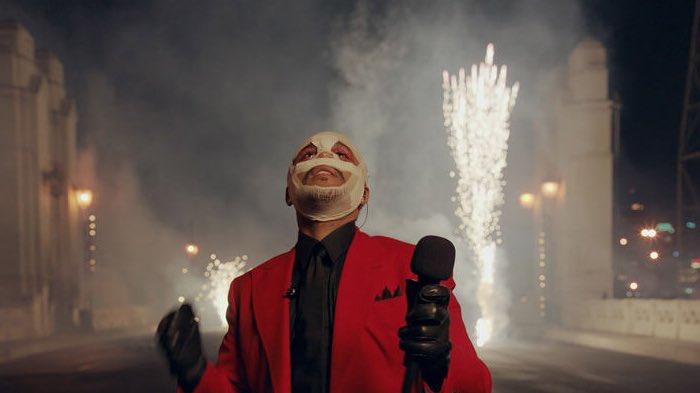 Estamos de acuerdo que el Half Time de The Weeknd va a ser el mejor de todos los tiempos a la altura del de Michael Jackson o estoy exagerando  La producción en sus presentaciones en los #MTVAwards  y en los #AMAs2020 han sido una pasades de riata