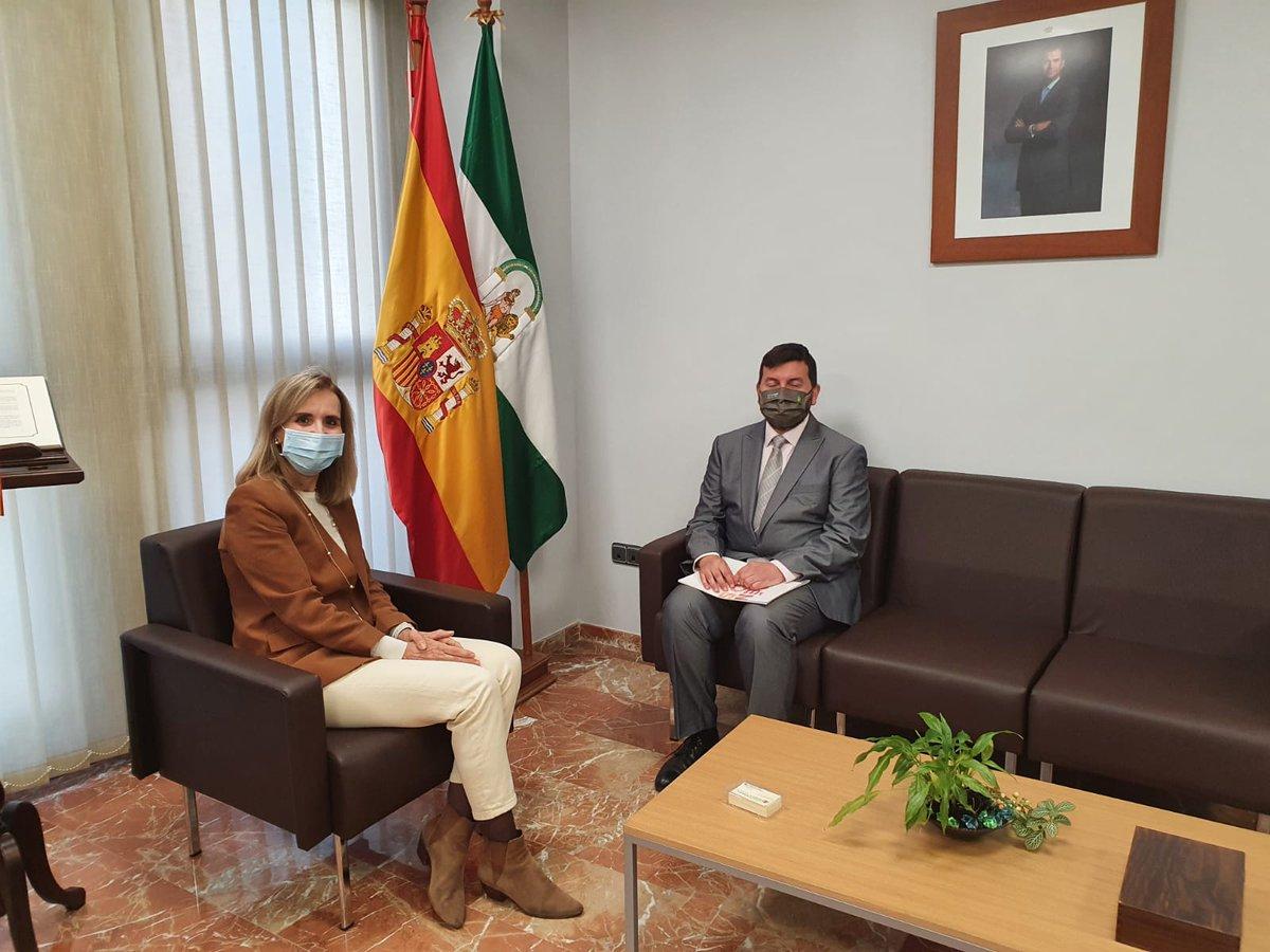 Mañana entrevistamos al director de la ONCE en Huelva. Desde las 12 horas entrevista al rocianero Francisco García Soriano.