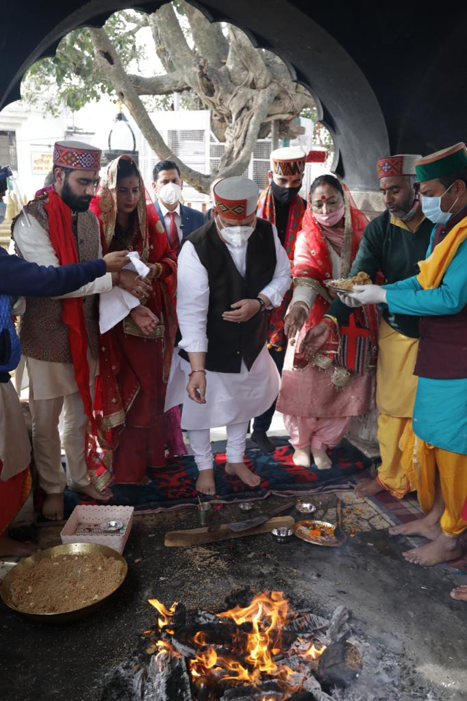 BJP National President Shri @JPNadda offers prayers at Naina Devi Mandir in Bilaspur, Himachal Pradesh.