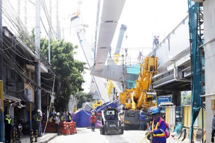 #DOLE #SkywayAccident #Girder May-ari at contractors ng Skyway extension project sa Muntinlupa may pananagutan umano sa aksidente, ayon sa DOLE https://t.co/n2M3gKXJDx https://t.co/2QND1nGlF3