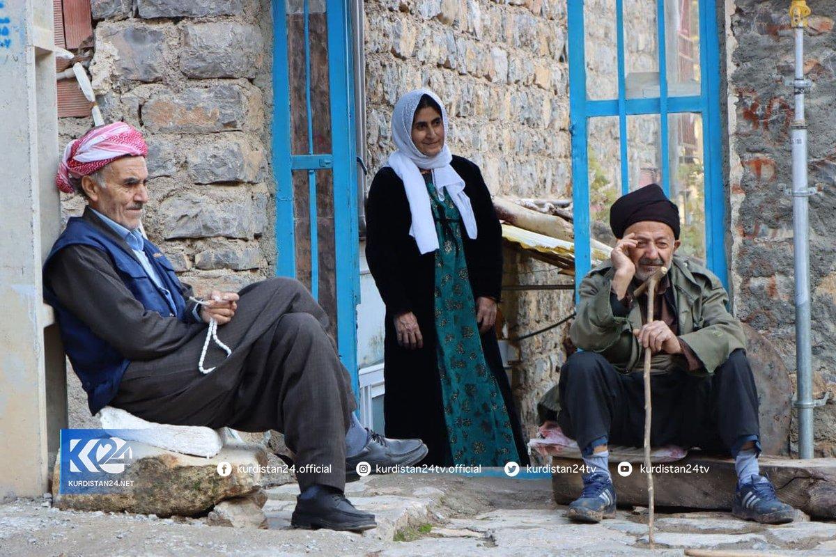 Good morning! The Slen village, located in the Hawraman area of Rojhilat (Iranian Kurdistan). 📸Rebwar Mahmood