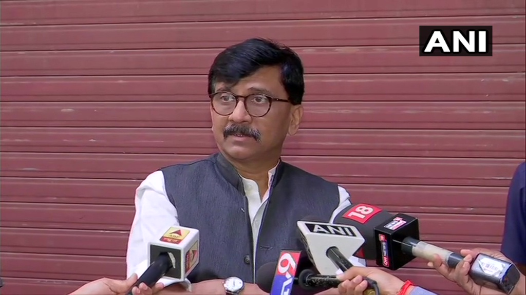 Lot of discussions are going on regarding 'Love Jihad'. I think it's a serious matter. West Bengal elections are coming up, a new topic should be brought to the fore. We believe, development is a major issue for election but 'Love Jihad' will be discussed: Sanjay Raut, Shiv Sena https://t.co/CpVkgbV2QQ
