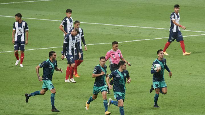 ¡Lunes!  #Sub17 #Liguilla vs Tuzos Fechas por definir.  #Sub20 Rompe filas.  #Repechaje. Puebla (4) 2 - Monterrey (2) 2 Goles. Martínez, Ormeño  #Liguilla vs Léon Fechas por definir.  #Femenil Puebla 3 - Bravos 0 Goles. Castro, AG, González Posición 12 Puntos 17  ¡Vamos Puebla! https://t.co/QZPy2Mqm35