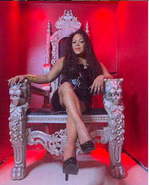 @GoddessAsha #mistressmonday #leathermistress #leather #latexdominatrix #latexass #TightBody #tightskirt #bdsmbarbie #dominacionfemenina #beauty