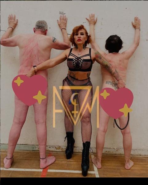 @AvaVonMedisin #mistressmonday #bdsmbarbie #bdsmfurniture #latexdominatrix #latexinpublic #latexass #bootymonday #bootygang #tightskirt #leathermistress #leather #INK #inkedup