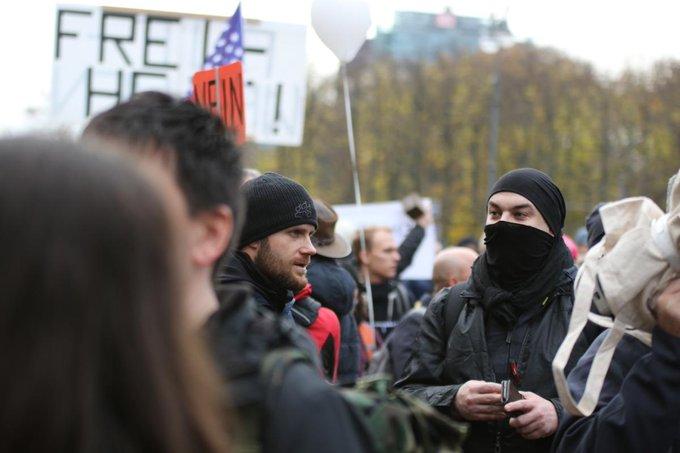Oben Alexander Jaeger und unten Simon Bork am 18. November in Berlin