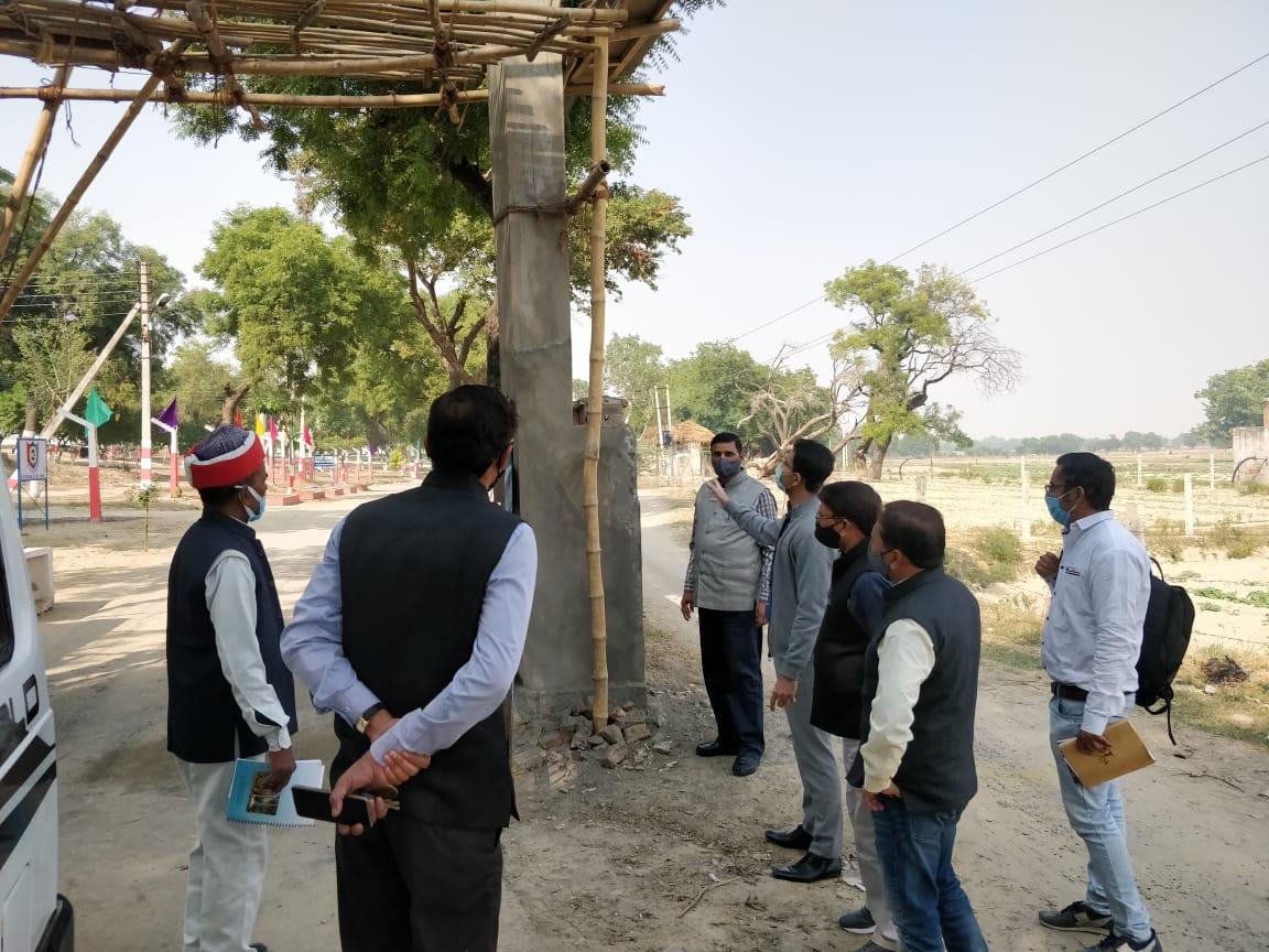 दि० 23-11-20 को जनसामान्य की समस्याओं का निस्तारण/शासकीय कार्यों का प्रभावी पर्यवेक्षण हेतु संबंधित उप जिलाधिकारीगण #Agra द्वारा अपने-अपने तहसील क्षेत्रों/ग्राम जगनपुर/पहाड़ीकला/पिधोरा/शाहदरा/सांधन/गौशाला-कोलारा कला/नवोदय विद्यालय इत्यादि का निरीक्षण किया गया।  @UPGovt @PrabhuNs_