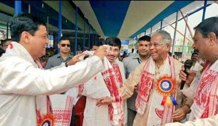 Deeply saddened by the demise of former CM Tarun Gogoi dangoriya. His death is an irreparable loss for Assam. Throughout his long career, he established a strong personality in the political arena. I pray for his departed soul and offer my deepest condolences to his family.