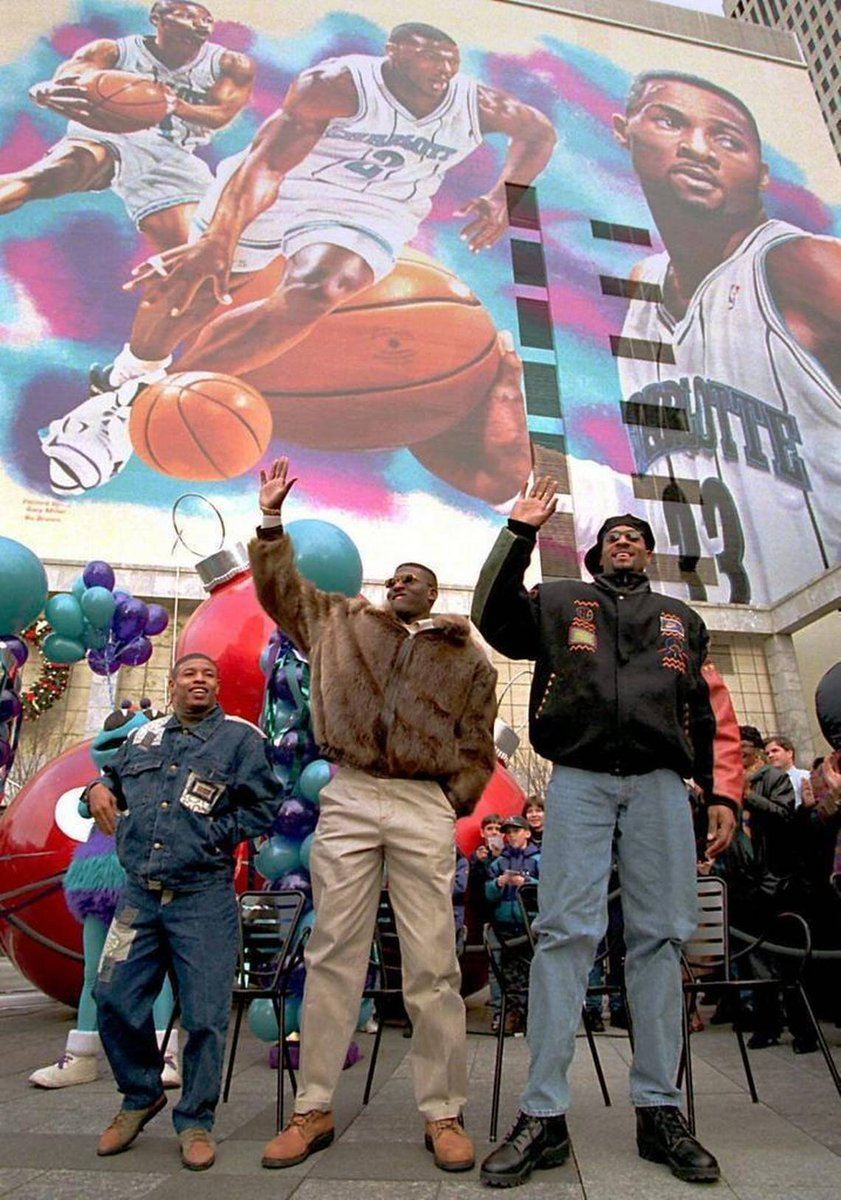 RT @MuggsyBogues: #tbt Only the OGs remember this mural.   #Charlotte https://t.co/orunkGG18H