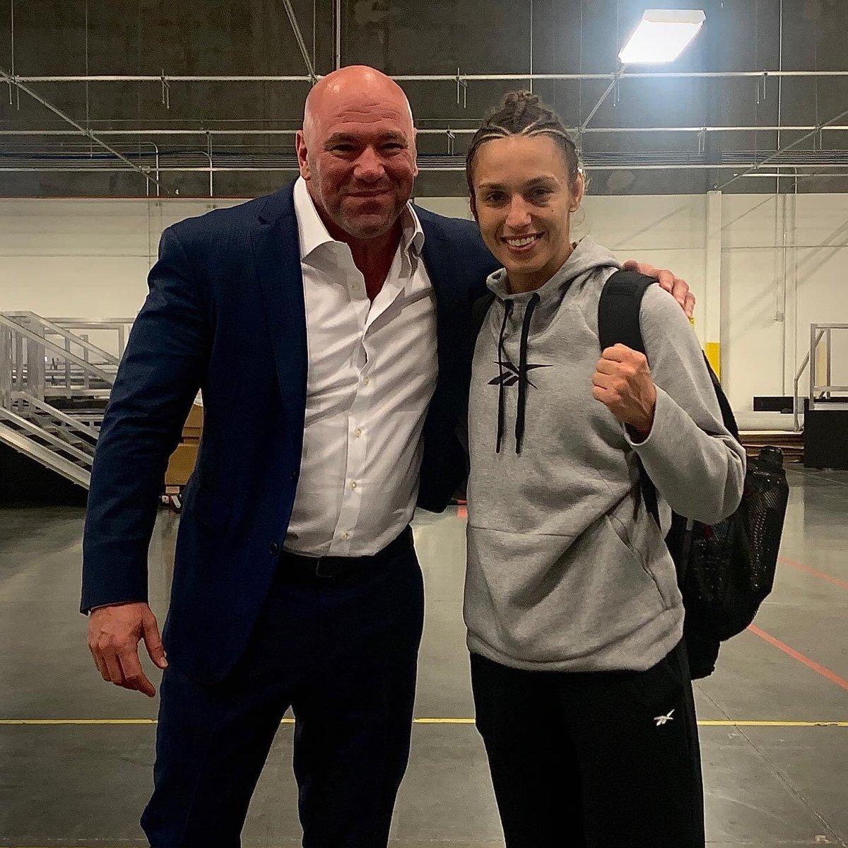 With @danawhite 💪🏻💪🏻 #UFC255