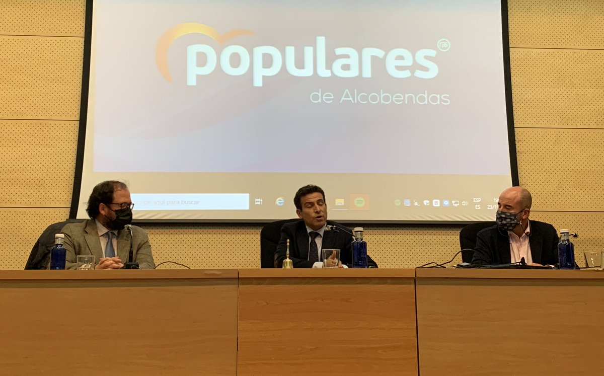 Disfrutando de la presencia de @carlosdavidgf, concejal del @populares en #Bilbao, en el Comité del @PPAlcobendas. GRACIAS por tu trabajo y valentía en el @PPVasco @PPBizkaia 💪🏼💙 https://t.co/eaWKl3qksF