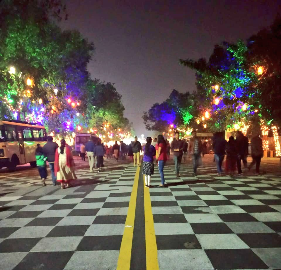 """#ThrowBack How many of you miss this ? The simply awesome """".Fest"""" (DotFest or BhuFest) organised alongside HWC2018 at Bhubaneswar.  (BMC/BDA can block traffic on this stretch, repaint it like this & retain the carnival atmosphere, the foodtrucks do the rest)"""