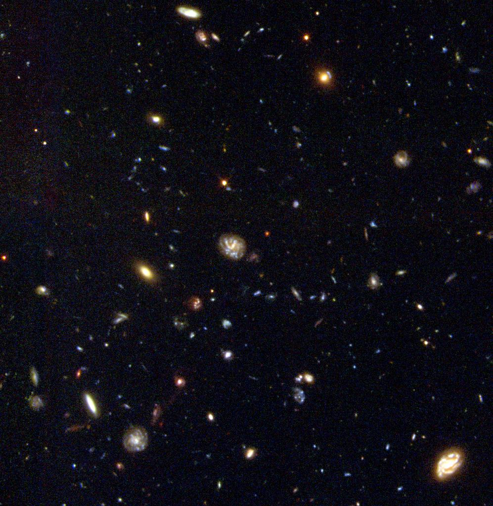 #OTD in 1998, Hubble unveiled this image of the Hubble Deep Field South, which featured thousands of dazzling, never-before-seen galaxies. It took a 10-day-long observation to capture this patch of the universe, near the south celestial pole.  Learn more: