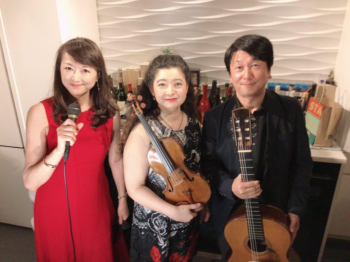 『古舘由佳子 Canonオンライン・コンサート〜ジプシーヴァイオリンとギター&ボージョレヌーヴォーで乾杯!』アーカイブチケットは12月4日まで発売中です! 私も素晴らしい伴奏で歌わせていただき貴重な体験をさせていただきました♩