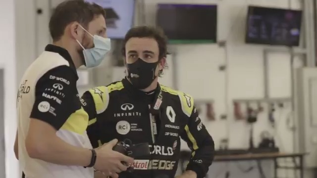 Fernando Alonso is leaving no stone unturned ahead of his return to our team in 2021. Actually make that grains of sand. He's leaving no grain of sand unturned. 100% commitment. 💪  #RSspirit @alo_oficial https://t.co/azeoKetWXH
