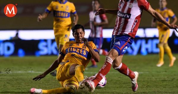 ¡Qué nochecita la de Hugo Ayala!  Hace autogol y lo expulsan dos veces en el Tigres vs Toluca https://t.co/Xuh2gaHFya https://t.co/zpyn9HBqQK