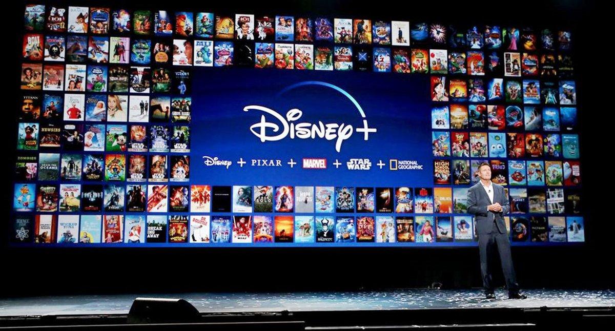 🎬  El martes 17 llegó a nuestro país el nuevo servicio de streaming #DisneyPlus.   En el siguiente #hilo te compartimos todo lo que tenés que saber sobre la nueva plataforma.