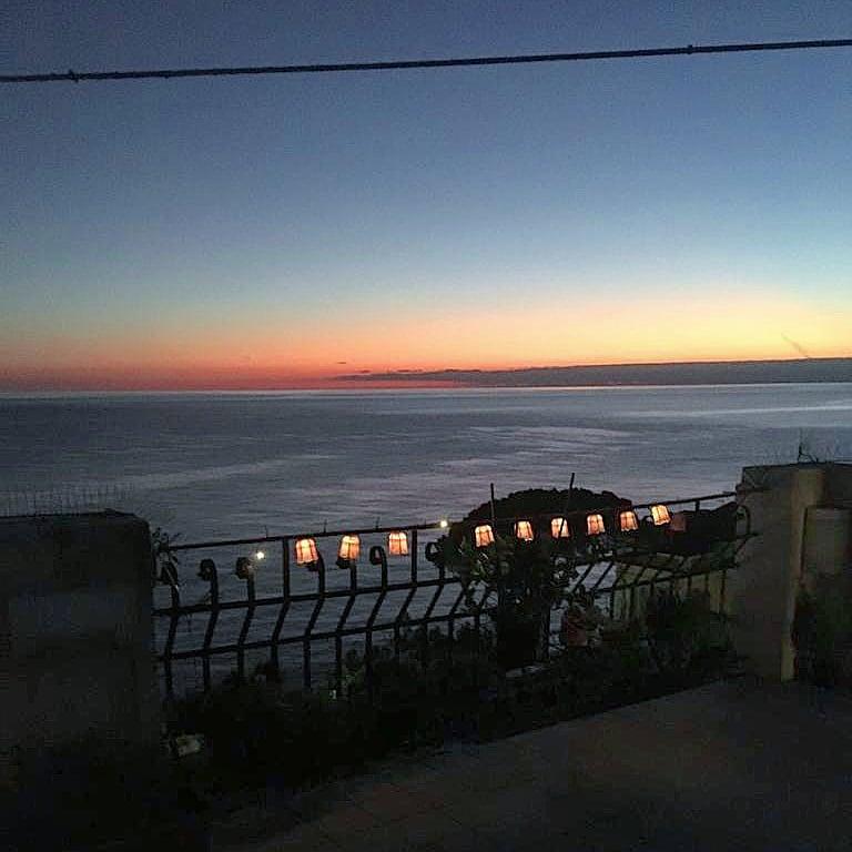 🌊  Poserò la testa  sulla tua spalla e farò  un sogno di mare 🌊   #Liguria #Genova #Genoa #Geirola #Italia #Italy #Mare #beautiful #meraviglia #photo #sunset #relax #familytime https://t.co/bT3HBv6puO