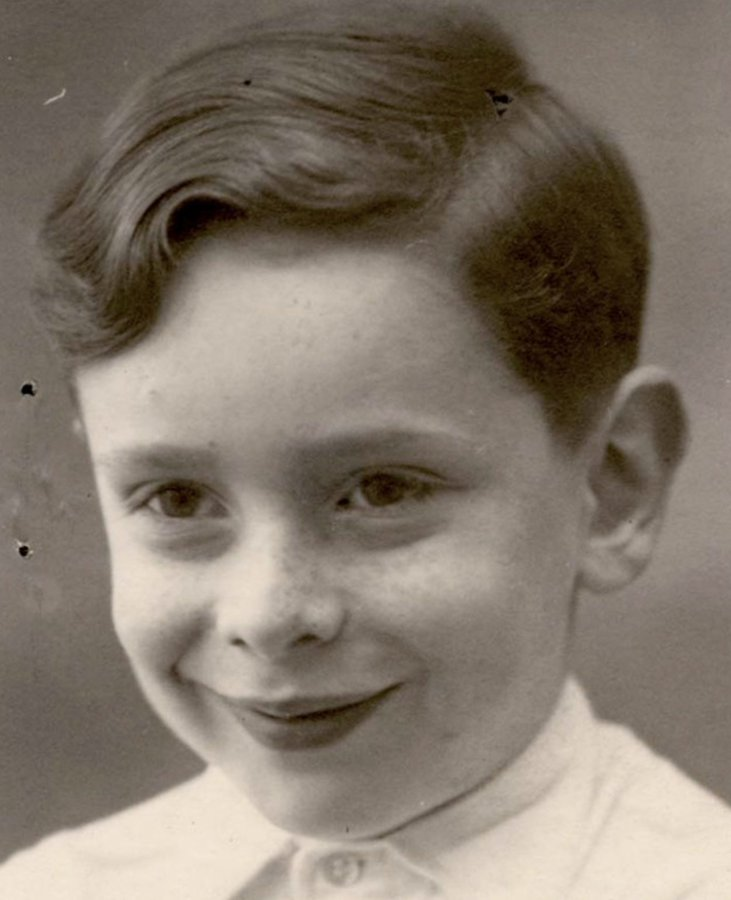23 November 1943 | A transport of 1,200 Jews deported from Drancy in German-occupied #France arrived at #Auschwitz. SS doctors selected 241 men & 45 women to be registered. The remaining 914 were murdered immediately in gas chambers. 9-years-old Francis Levin was among them.
