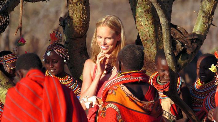 test Twitter Media - Neben Jesaja wirkt hellen wir die weiße Massai #FirstDates https://t.co/CT7CFjRV6j