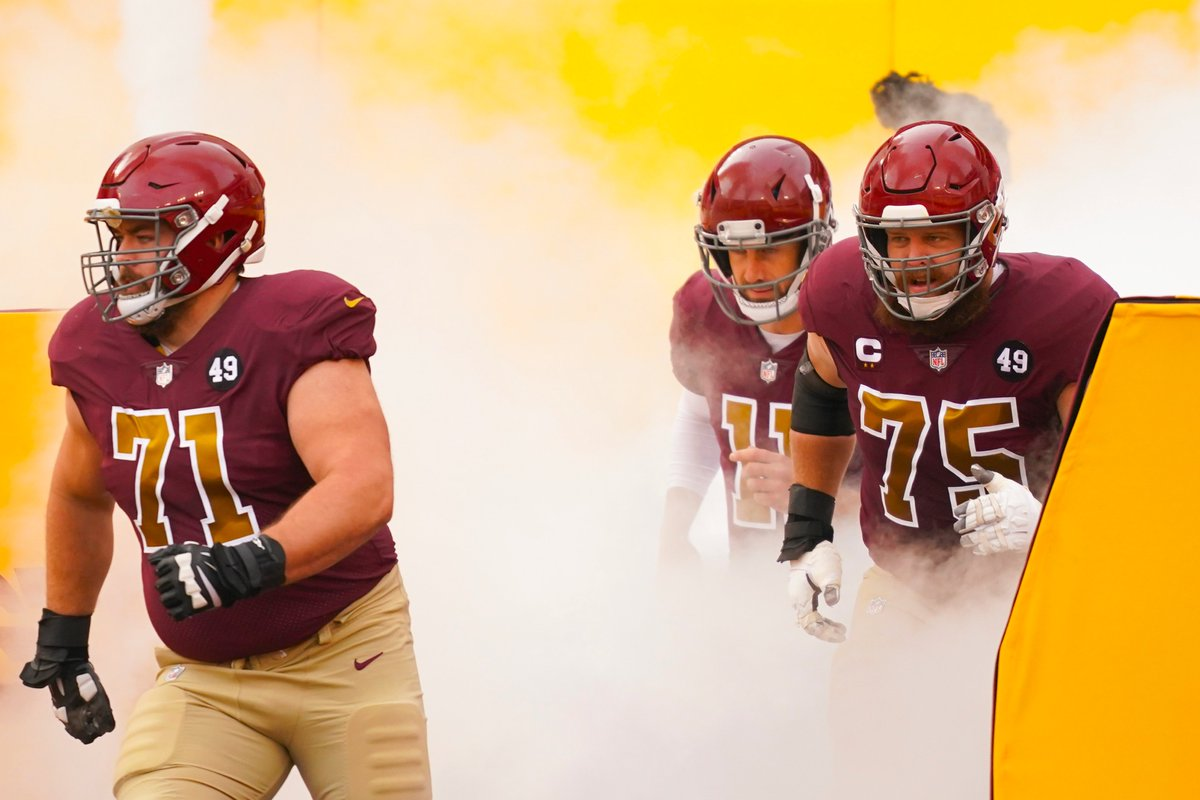 .@PFF's top-two highest graded guards for Week 11?  @WSchweitzer71 and @bscherff68 🚜💪 https://t.co/fw8ZxQGaGb
