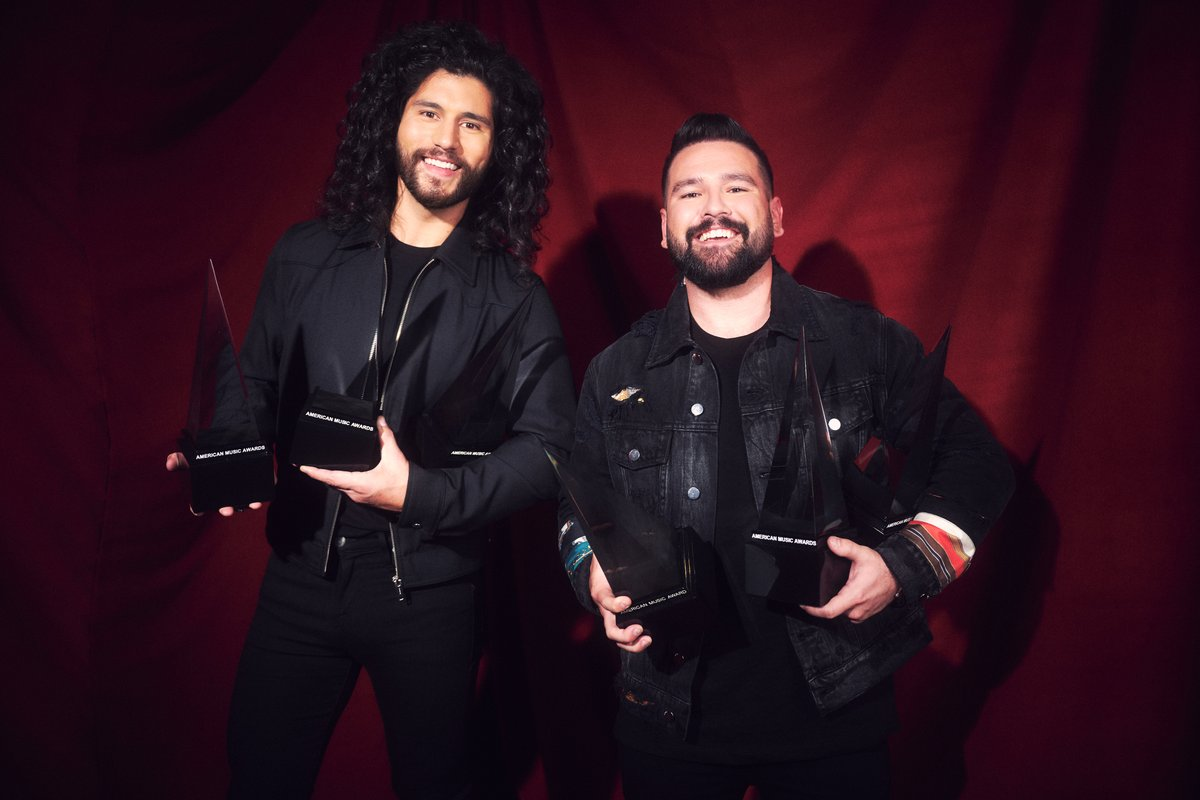 Just 2 guys and their #AMAs 🏆  @danandshay