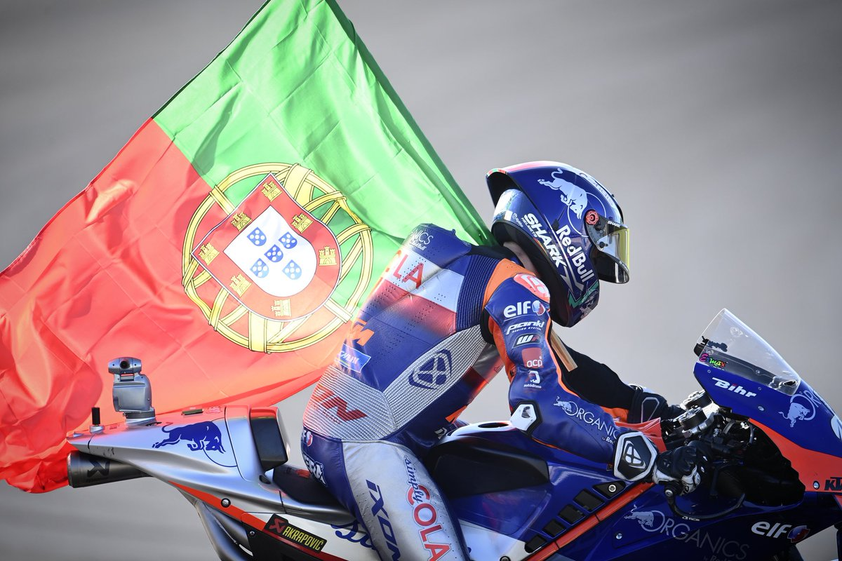 That one was special 😍🇵🇹  #Tech3 #KTM #Racing #MotoGP @MotoGP #MO88 #PortugueseGP