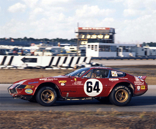 . 🏁#Ferrari 365 Gtb4 #Daytona24 1977 🏁  The Ferrari 365 GTB/4 at the 24 Hours of Daytona, 1977. The car was driven by Elliot Forbes-Robinson, Paul Newman and Milt Minter and finished fifth over all.  🏆https://t.co/wrXq8kQXkP🏆 https://t.co/oOwPYMkS5Y