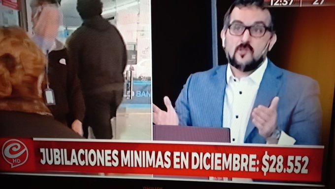 Están tratando de instalar que la jubilación mínima es de 28 mil pesos. Primero fue Victor Humo, ahora es Crónica TV. https://t.co/MXkw0nwLEC