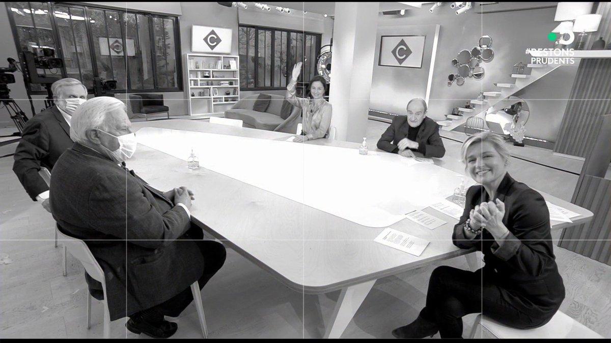 📸 À demain dans #CàVous, et tout à l'heure pour #6ÀLaMaison à 23h05 sur @France2tv !  Pour (re)voir l'émission 👇