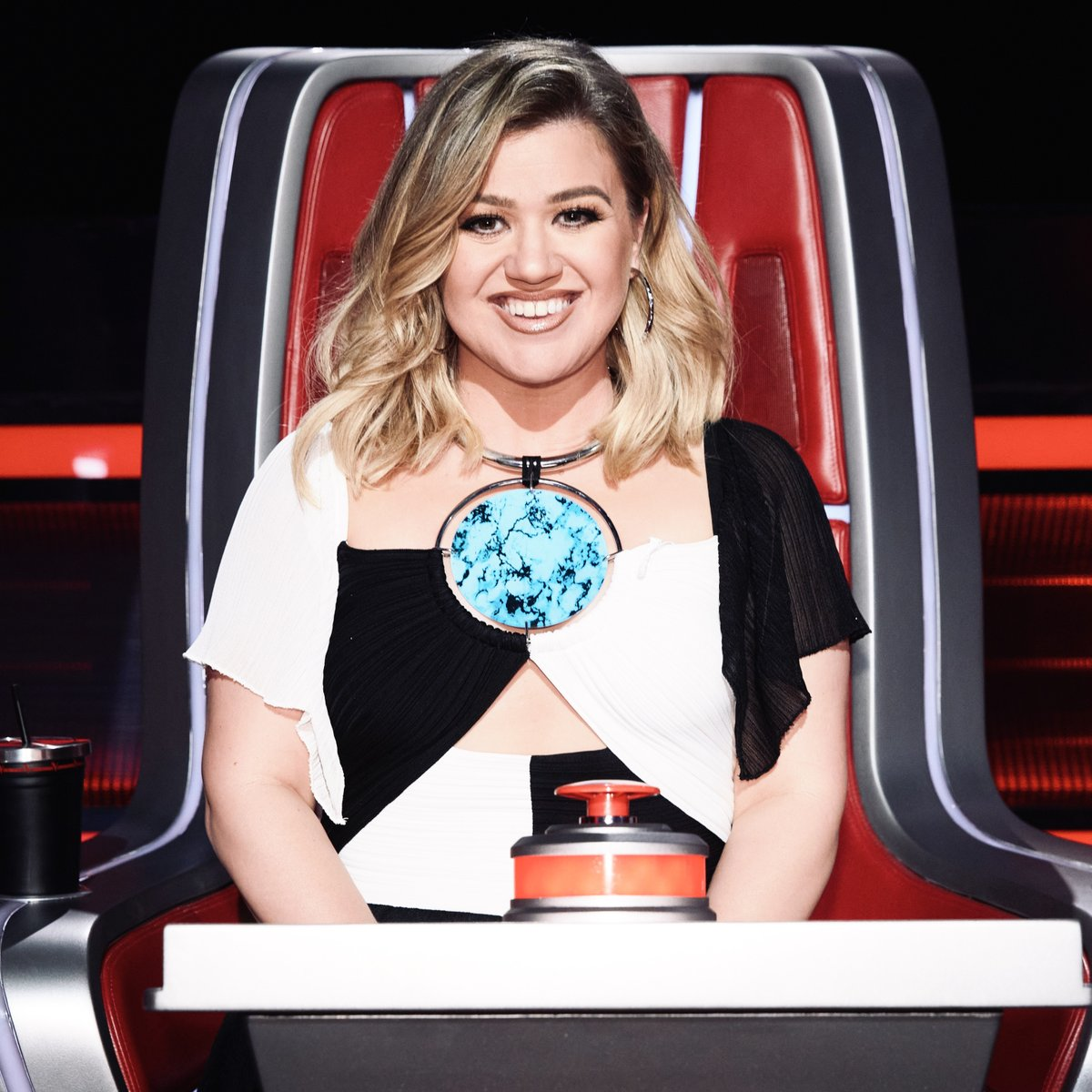 It's knockouts time! Let's do this!!! #TeamKelly #TheVoice
