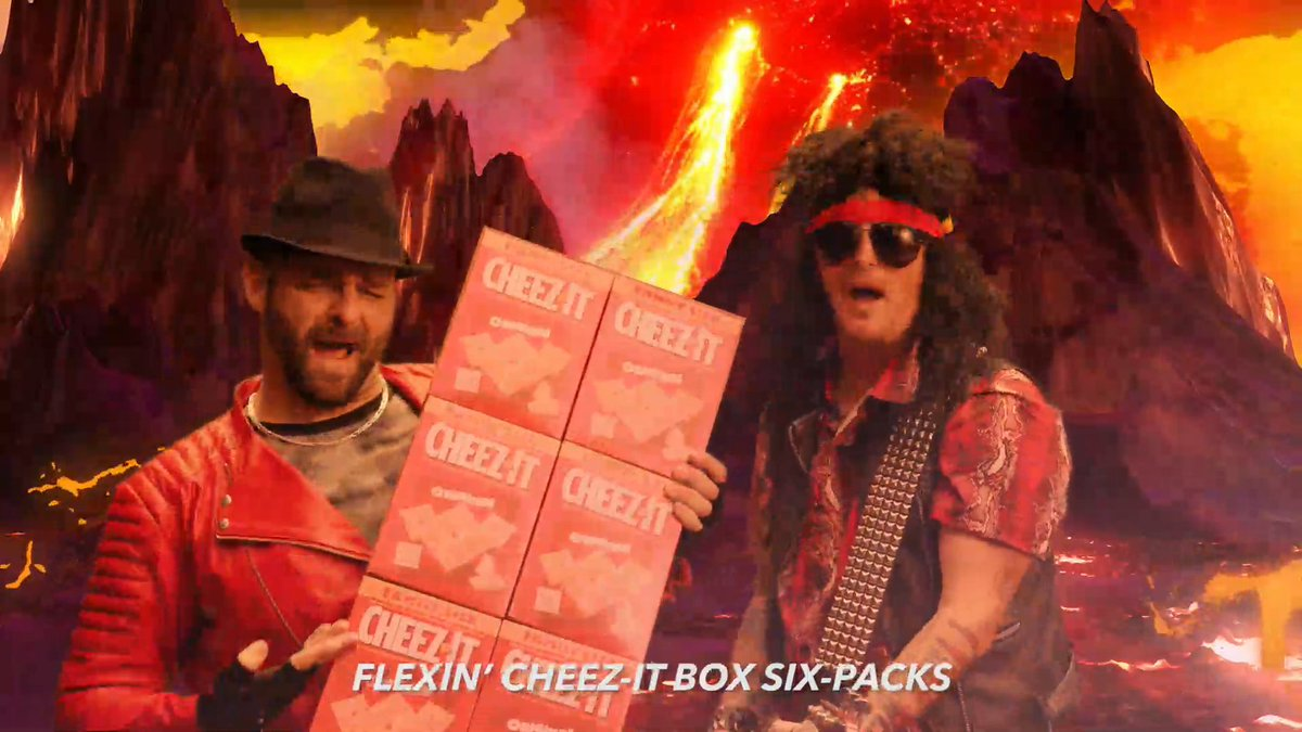 This is what happens when you combine @mikegolicjr, @jasonfitz, matching bodysuits, and a bunch of @cheezit.  College football rocks 🤣 #ad https://t.co/AQqT8uOSJc