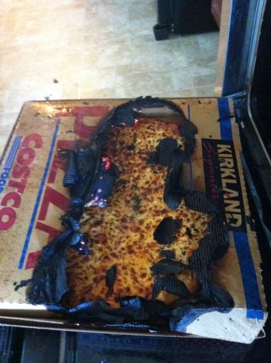Once upon a time... I put a Costco pizza in my gas oven to keep it warm... it caught on fire because it was too close to the gas element. #cookingfail #alwaysremembernocarboardinoven