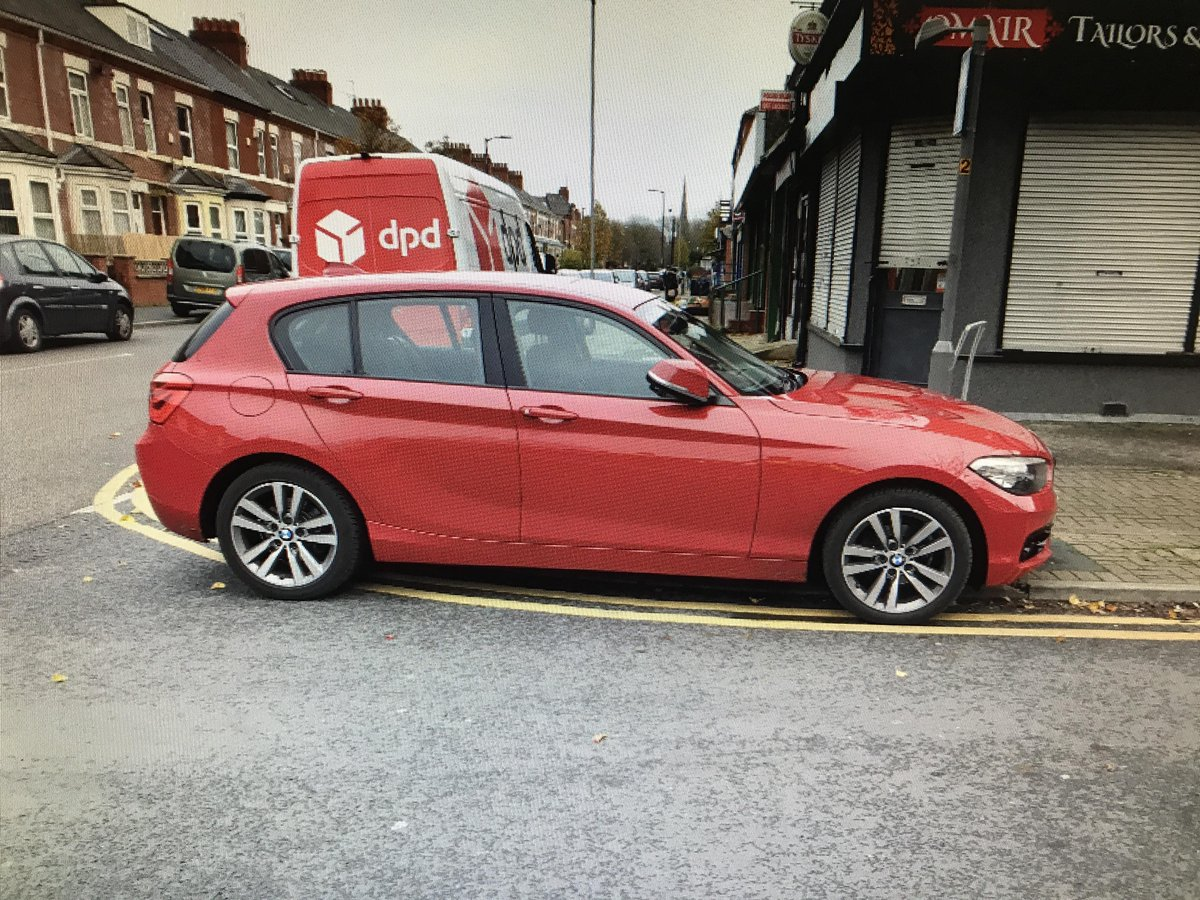 At 3.30pm, Pcso C and Pcso K whilst on duty sighted this BMW parked on Darnley St nr Ayres Rd in OT. As you can see it's completely blocking the dropped kerb for pedestrians and so a TOR has been issued as per the picture. https://t.co/VSY71QSjHv