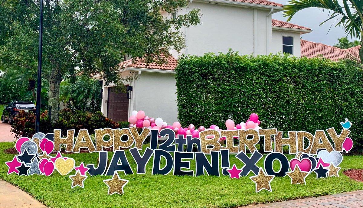 Happy 12th birthday, Jayden! 🥳💕💥🎂🎈⭐️🎉 #signgreeters #signgreetersdavie #celebrate #birthday #stakingjoy #yardsigns #yardart #yardgreetings #yardcards #davie #daviefl #coopercity #coopercityfl #southwestranches #weston #westonfl   https://t.co/bL9bK5xg4C https://t.co/KIto64QvcJ