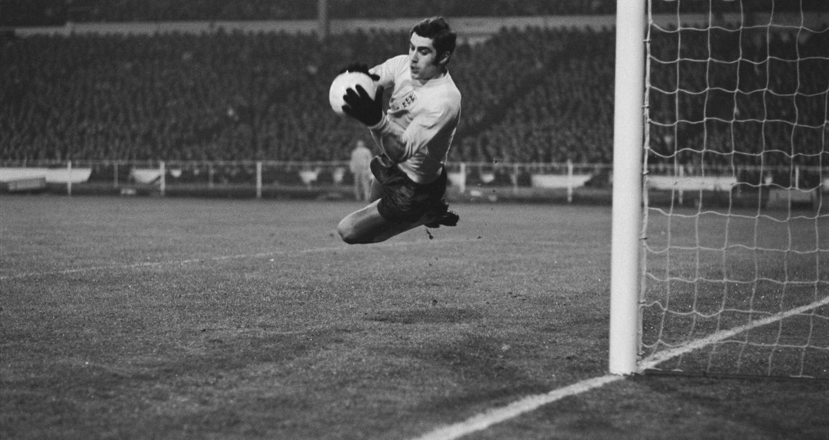 ⏪ 🏴 50 years ago today, despite playing in the English 2nd flight for @LCFC, @Peter_Shilton was handed his international debut by Alf Ramsey. The goalkeeper would go on to win a still-record 125 @England caps & keep a joint-record 10 #WorldCup clean sheets 🧢 🧤