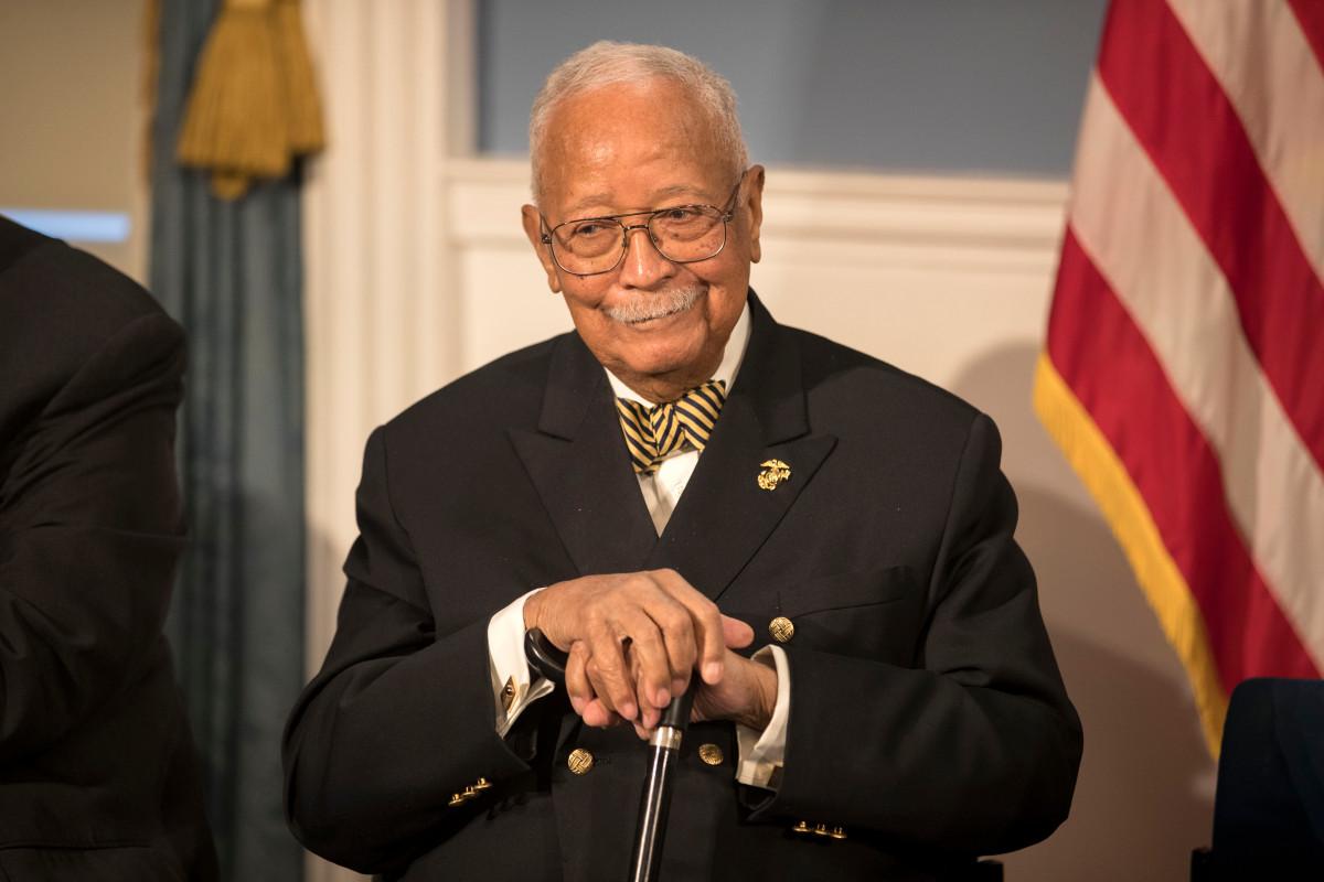 David Dinkins, NYC's first black mayor, dead at 93 trib.al/THHCwyf