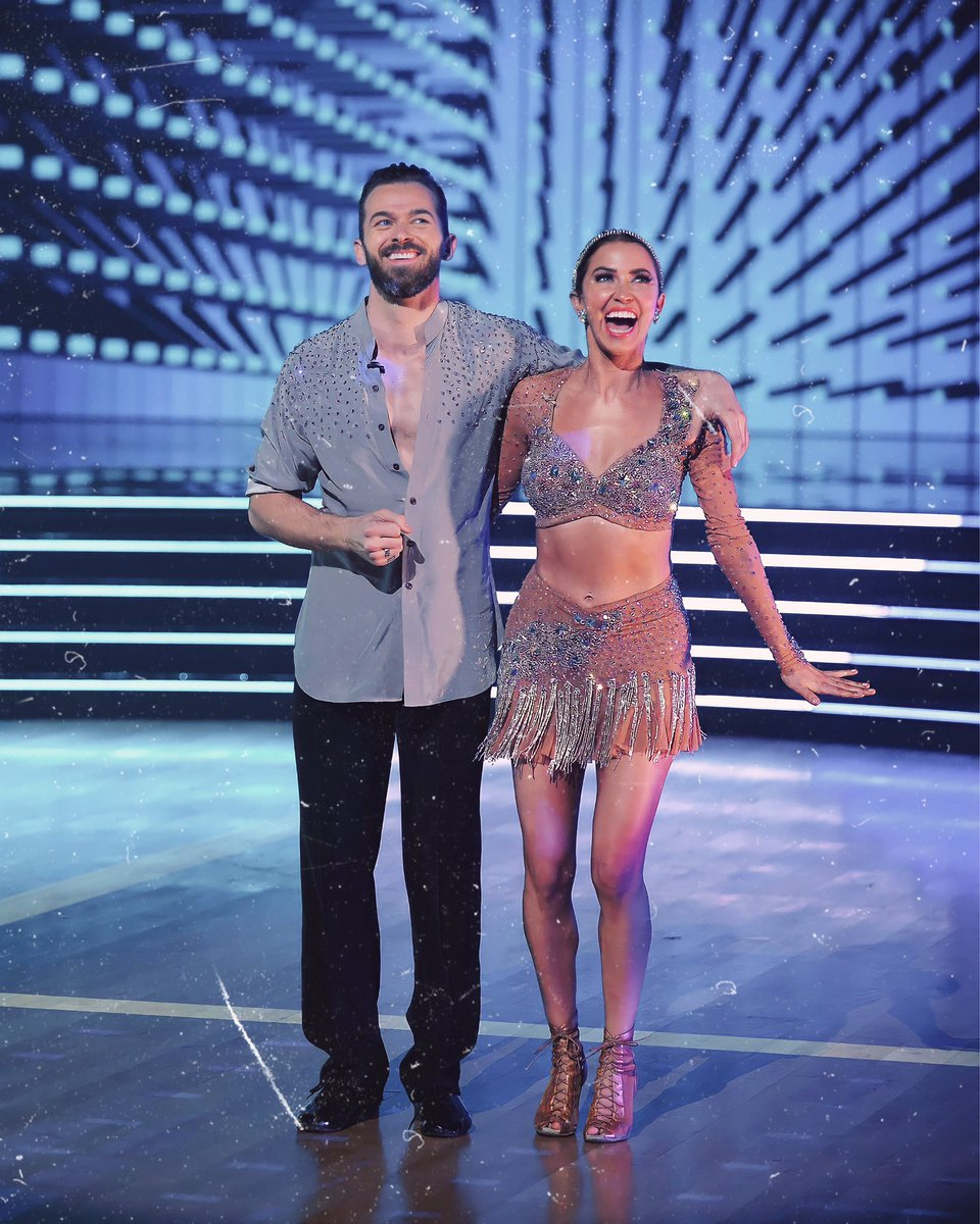 We love a winning & deserving duo @kaitlynbristowe & @artemchigvintse #DWTS #DWTSFinale