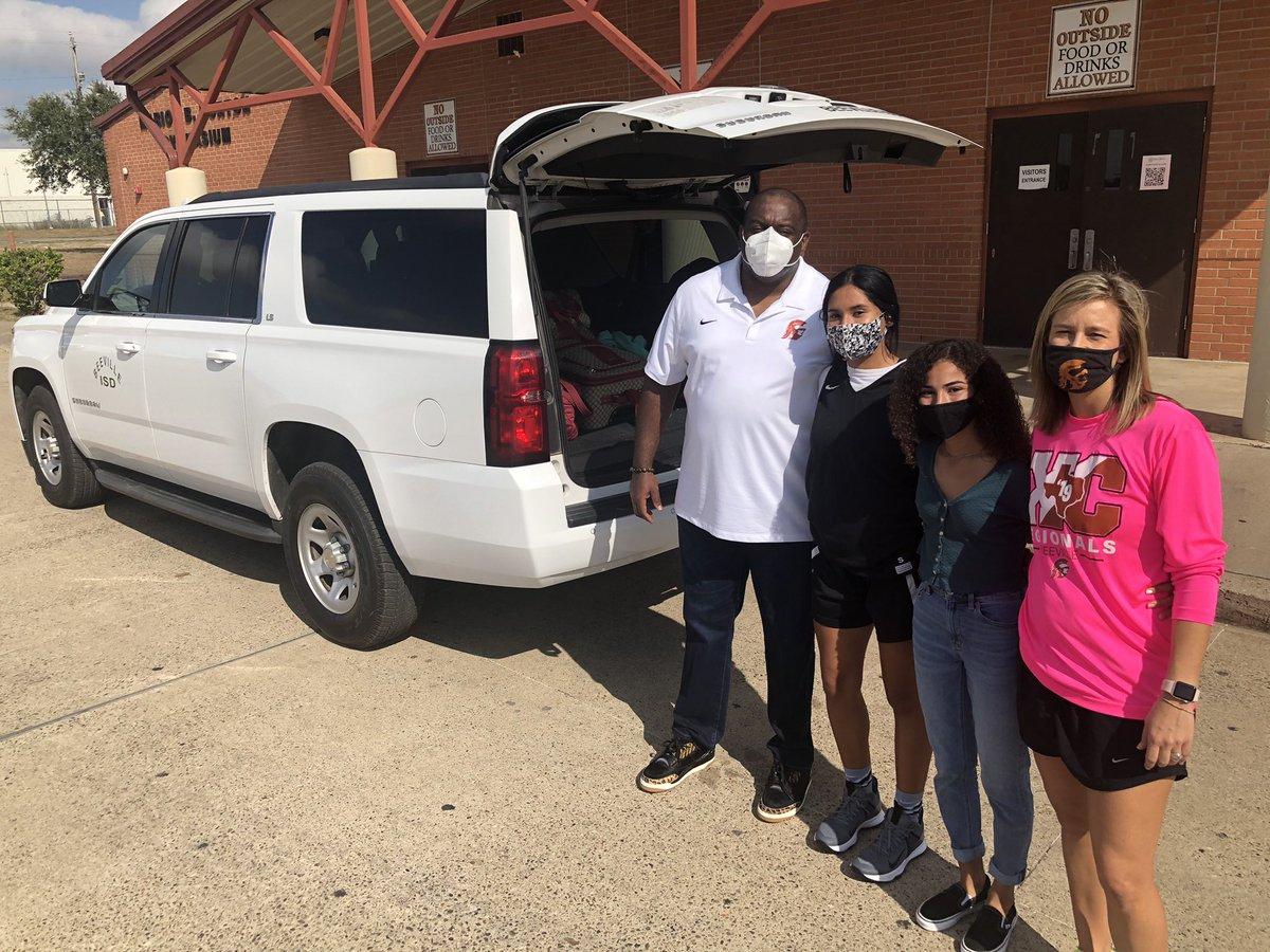 @BeevilleISD sending off Jada Johnson to the XC state meet in Round Rock. #BISDnextlevel