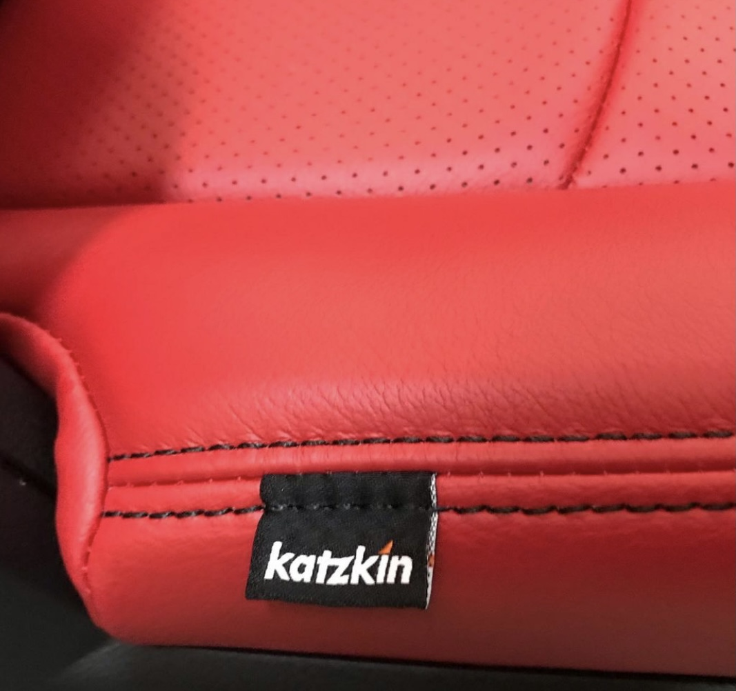 That's what we're talking about 👊 Single cab Dodge Ram 1500 by @modestoautorestyling  #redleatherseats #dodge #dodgeram #dodgeram1500 #ram1500 #ramsinglecab #katzkin #katzkinleather #becauseclothsucks #leatherisbetter #loveyourdrive #customleather #carupholstery https://t.co/r0q5gaSIoE