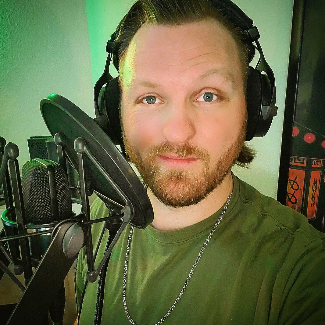 In studio this last weekend laying down tracks for a #VideoGame #VoiceOver. So grateful to @NoHoGoodWill for doing his damn thing & making magic happen. I so appreciate it. Cheers to more awesome moments like this my friend. #JLyle #VoiceArtist #Actor #VOSession #VideoGameVO https://t.co/xXQ4v4lqjy