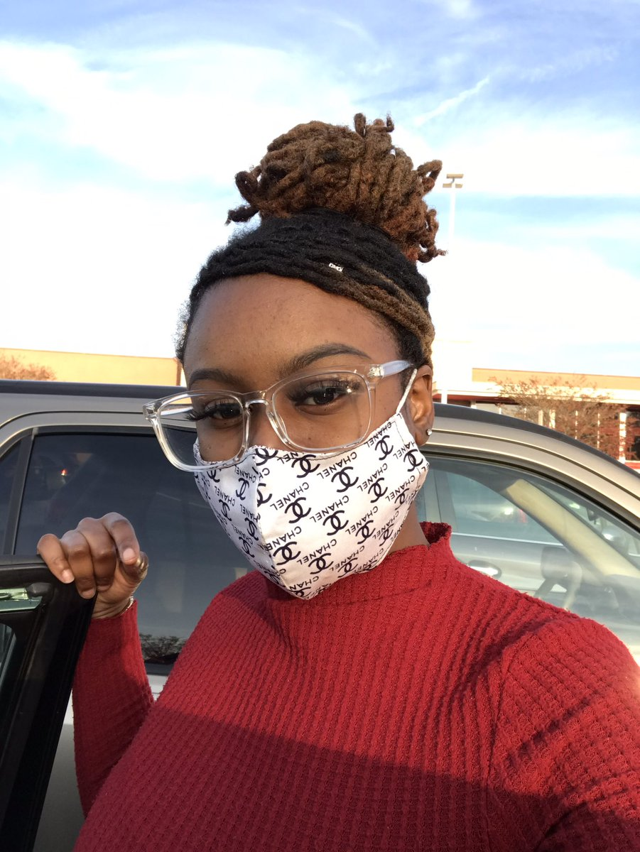 Mask on 😷  #locbae #locs #me #prissynae #prissy #pretty #makeup #lashes #eyebrows #blackqueen #blm #redshirt #chanel #loveyourself #selflove #beautiful #maskup #maskon #longlocs